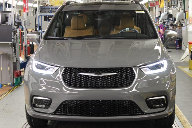 2021 Chrysler Pacifica production