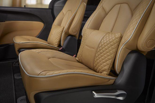 2021 Chrysler Pacifica Pinnacle Interior 2